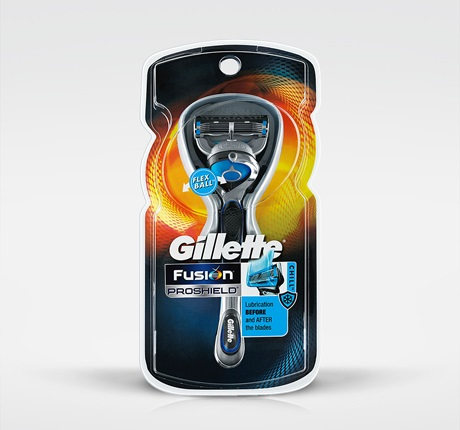 Gillette Fusion ProShield Chill Razor With FlexBall Technology - 1 Razor + 2 Cartridges